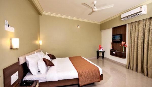 shirdi hotel reservation
