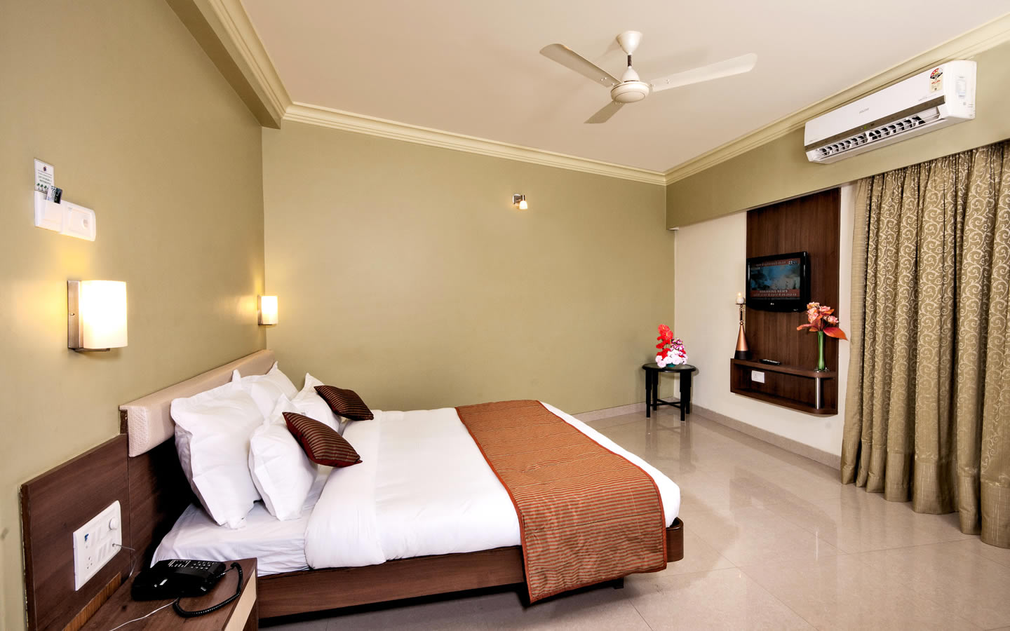 shirdi hotel reservation