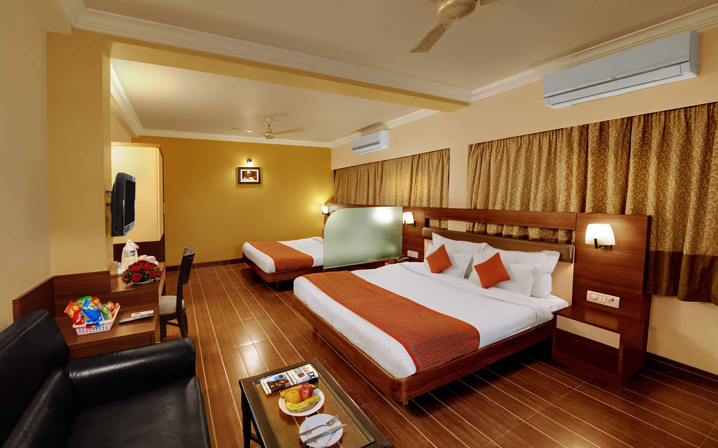 daiwik-hotel-shirdi-hotel-family-room