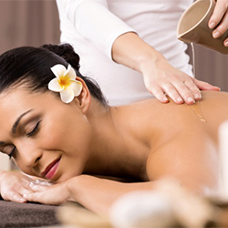 Relaxing Aroma Oil Massage