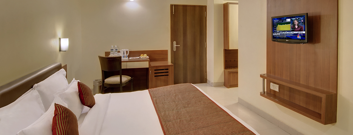 daiwik-hotel-shirdi-hotel-bedroom_